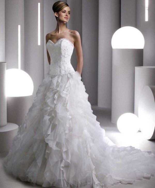 Vestidos de noiva tomara que caia longo