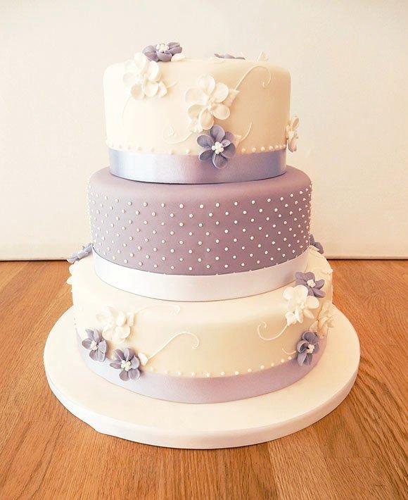 bolo de casamento com camadas