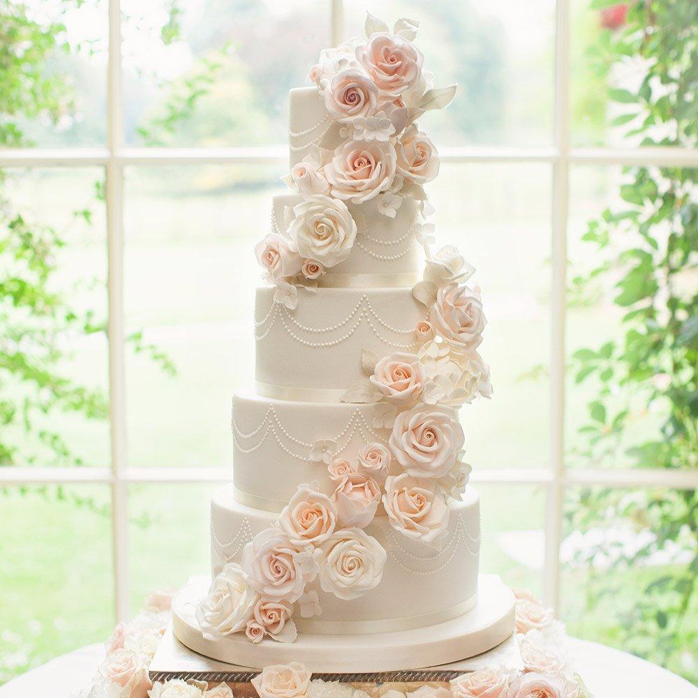 bolo-de-casamento-com-rosas