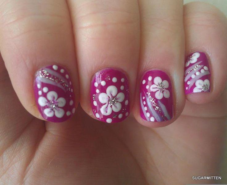 como decorar unhas com flores