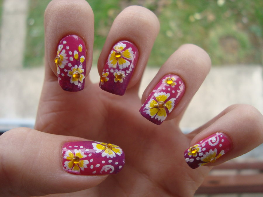 como fazer unhas com flores