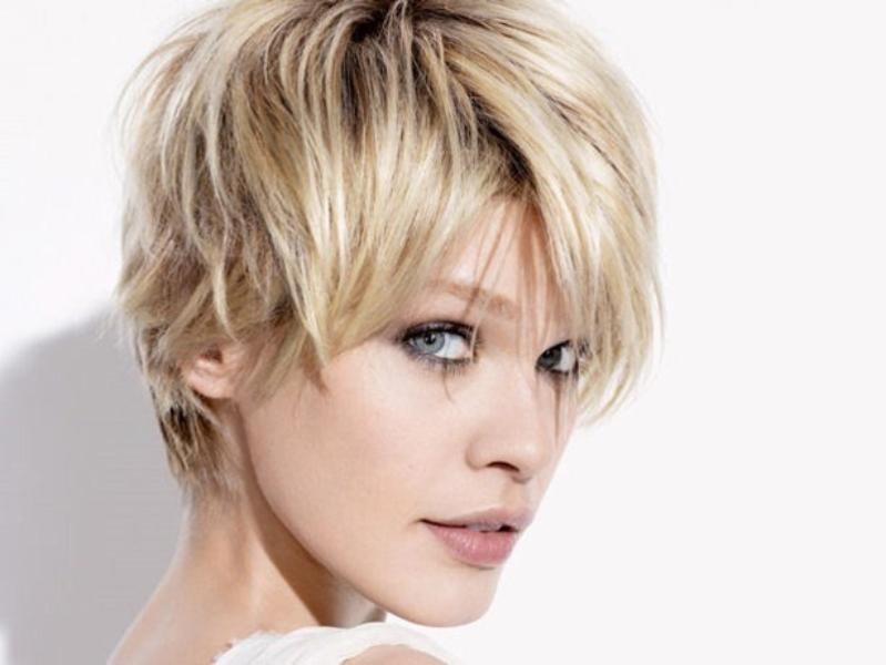 como usar cabelo curto com franja