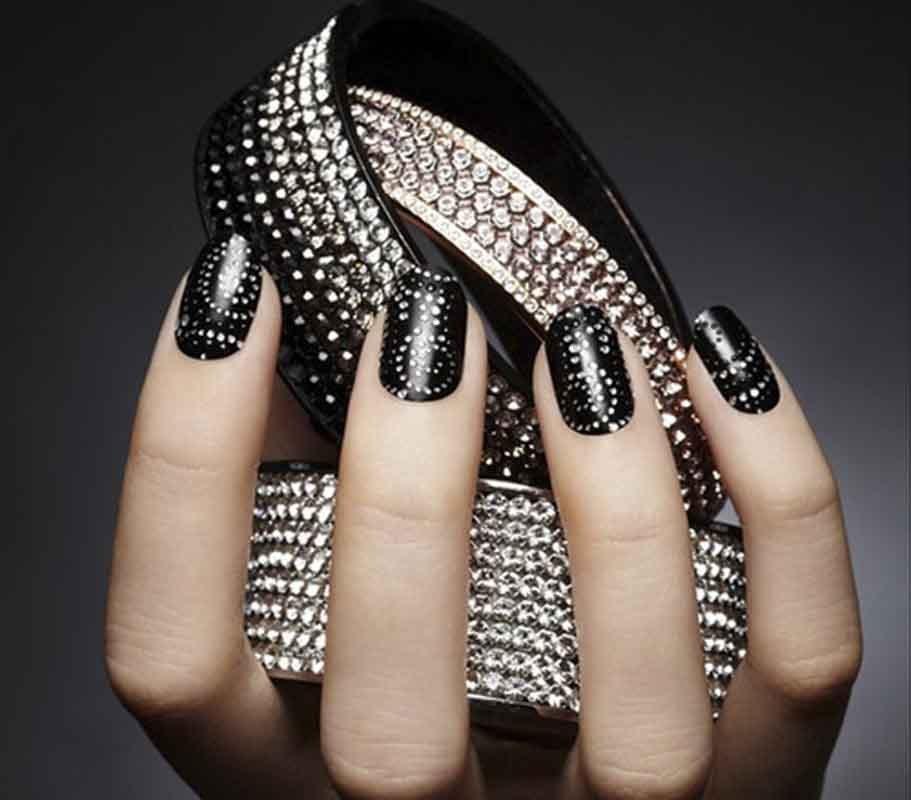 decoracao de unhas em preto