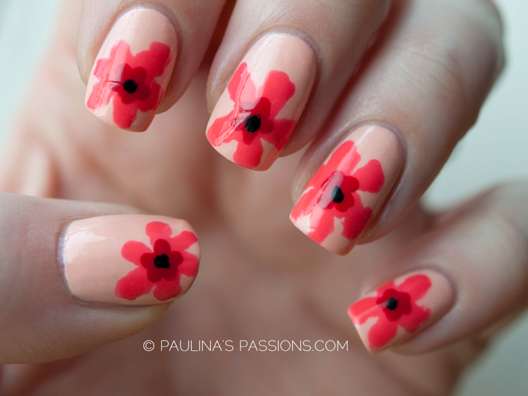foto unha decorada com flor