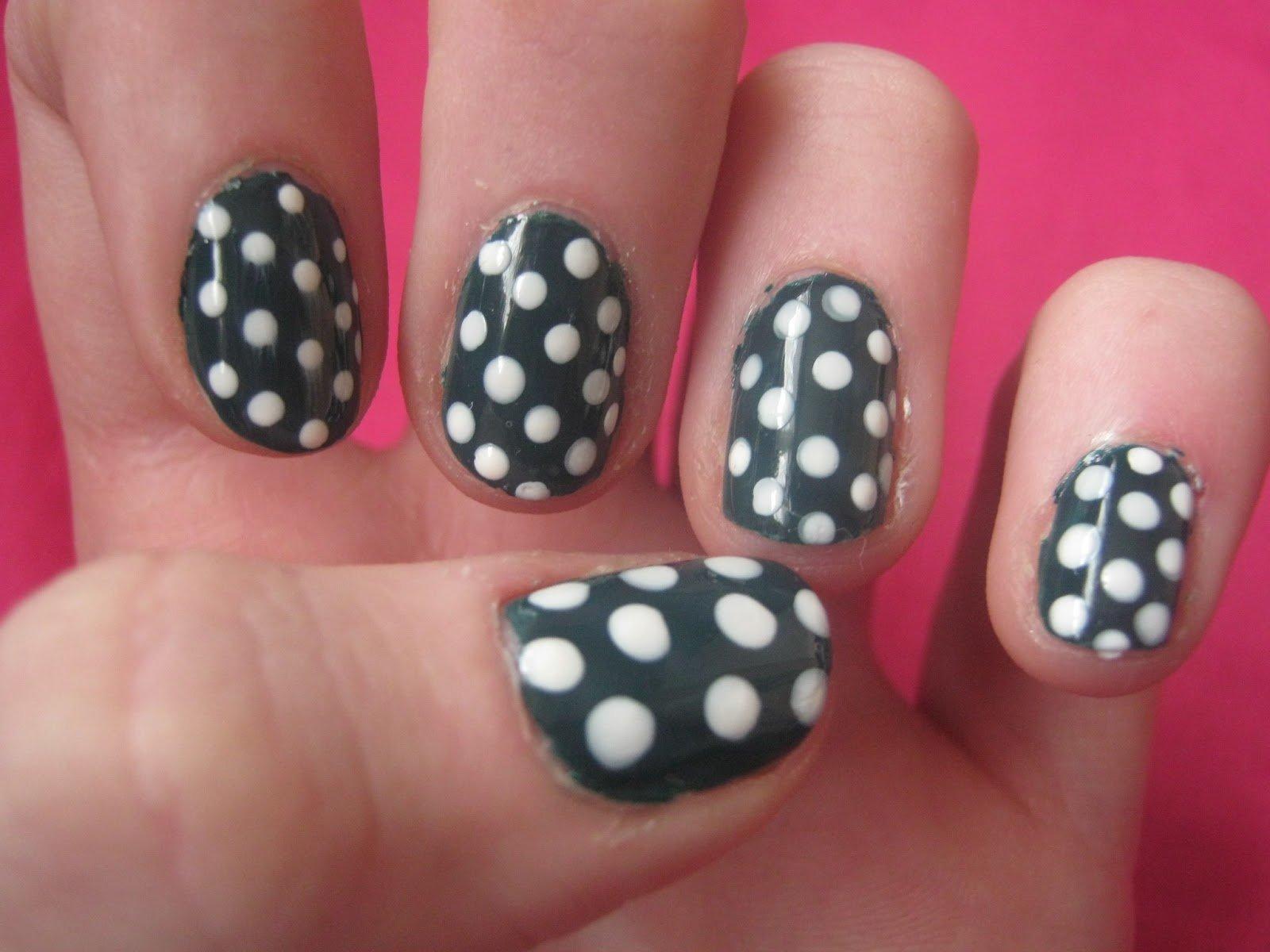 lindas unhas com bolinhas