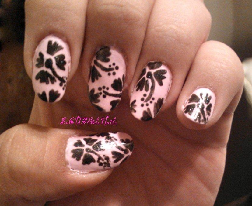 lindas unhas com flores