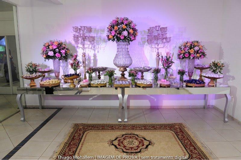 mesa casamento em lilas