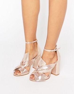 modelos sandalias metalizadas 2