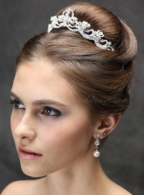 penteado preso com tiara