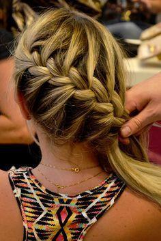 penteados tranca embutida simples