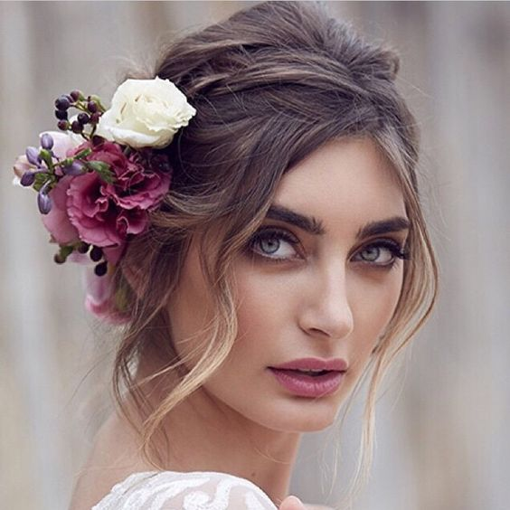 peteados noiva flores preso