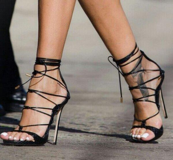 sandalia gladiadora elegante