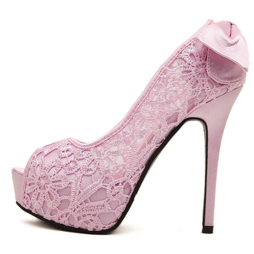 sapato em rosa com renda