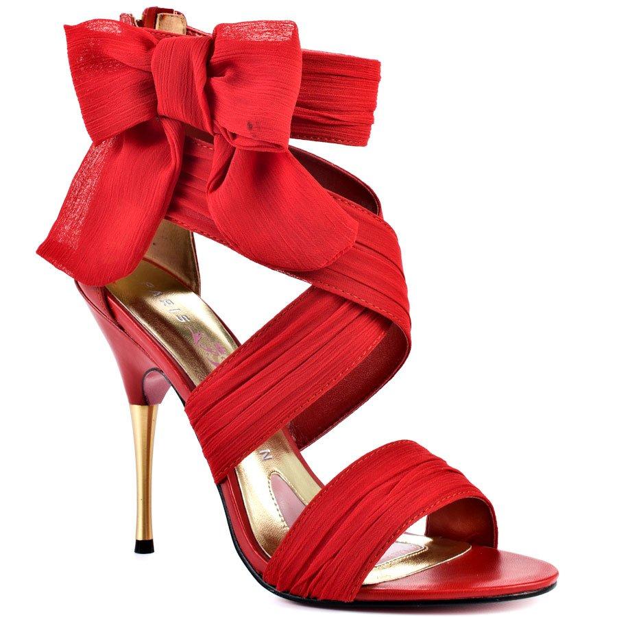 sapato vermelho com laco