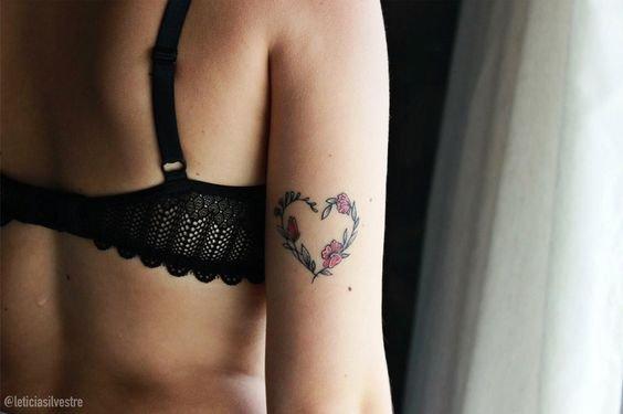 tatuagem coracao braco