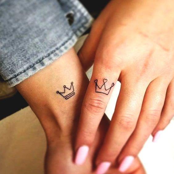 tatuagem feminina pequena amizade