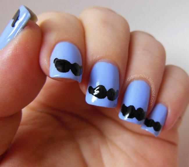 unhas bigodinho em azul