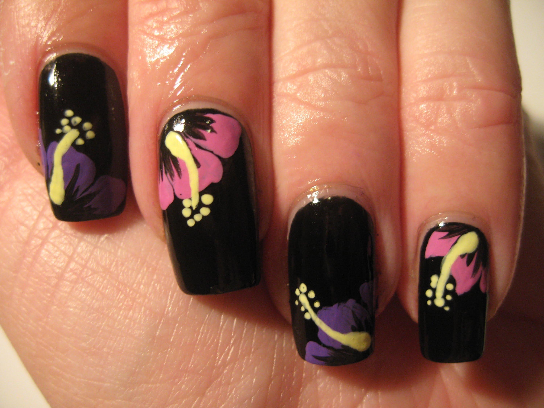 unhas com flores decoradas