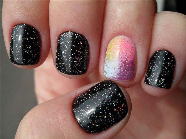 unhas-com-glitter-em-preto