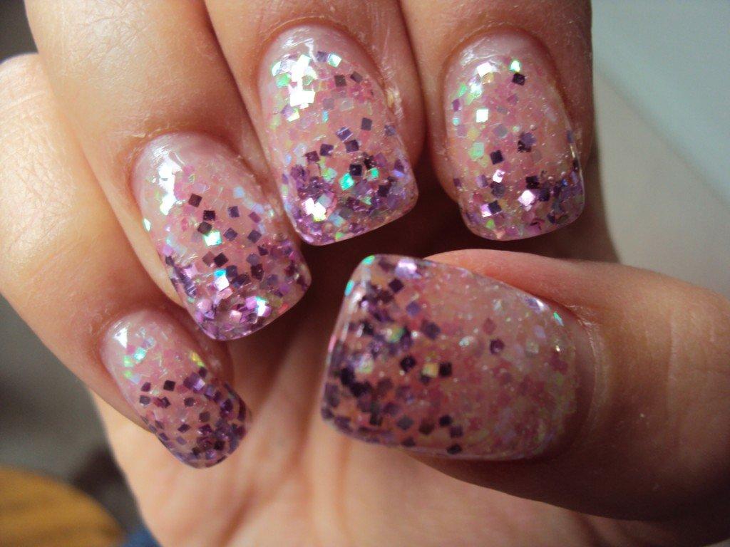 unhas decorada com glitter