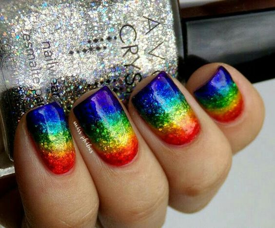 unhas decoradas arco iris 2