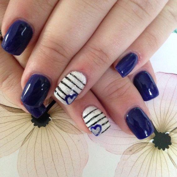 unhas decoradas azul coracao
