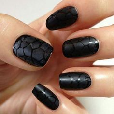 unhas decoradas cobra preto