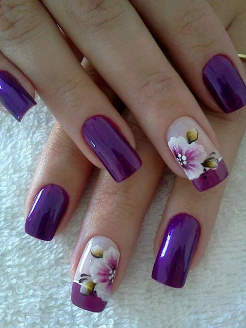unhas decoradas lilas