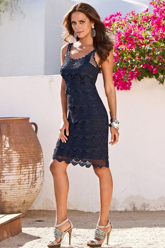 vestido croche curto azul