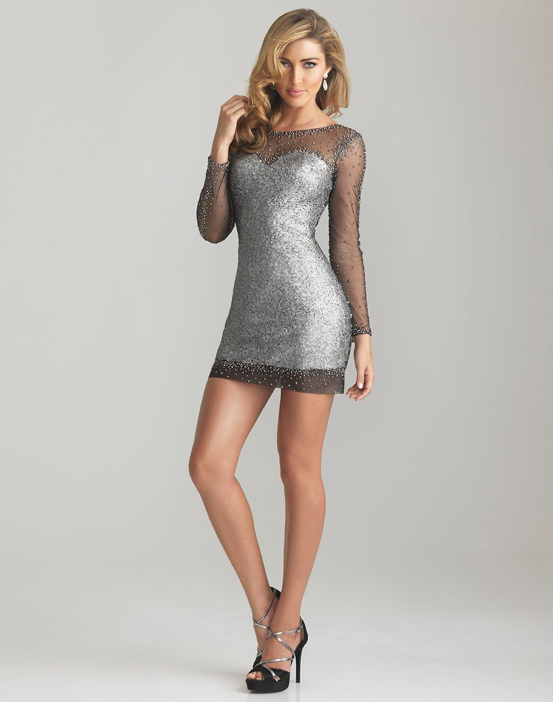vestido-curto-cinzento