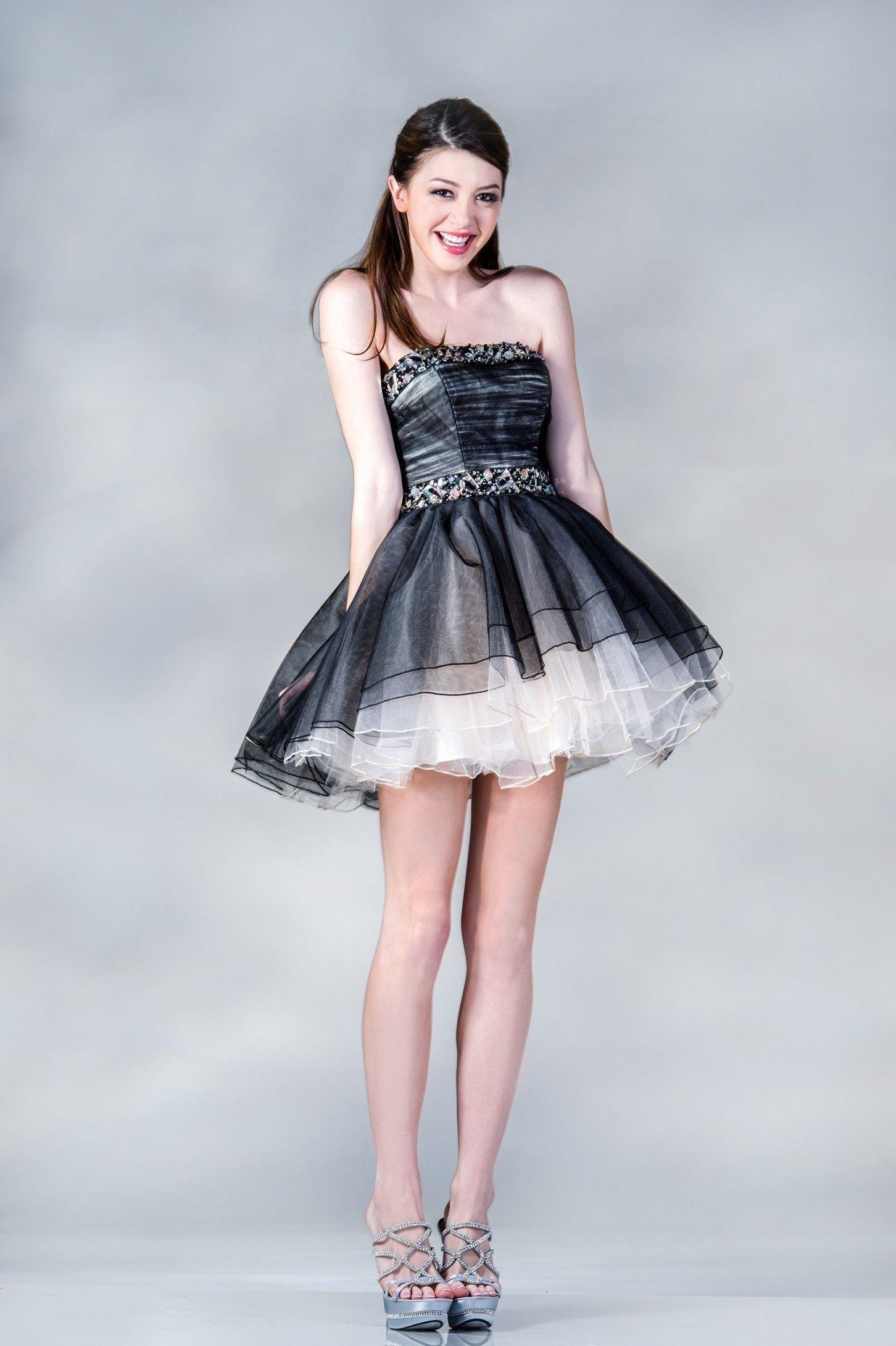 vestido curto com franjas