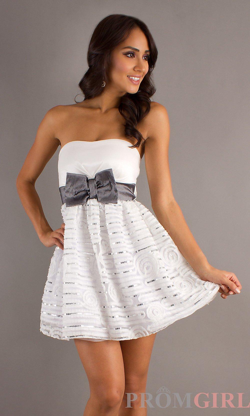 vestido curto em branco