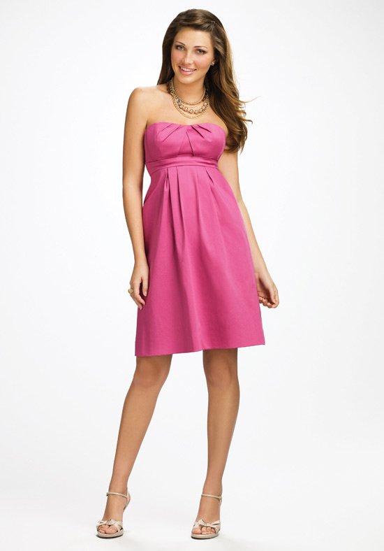 vestido curto em rosa