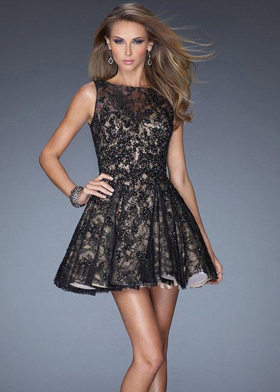 vestido curto preto e dourado