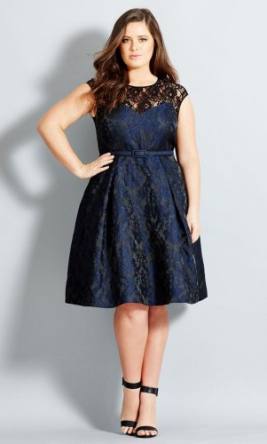 vestido de azul para festa gordinhas