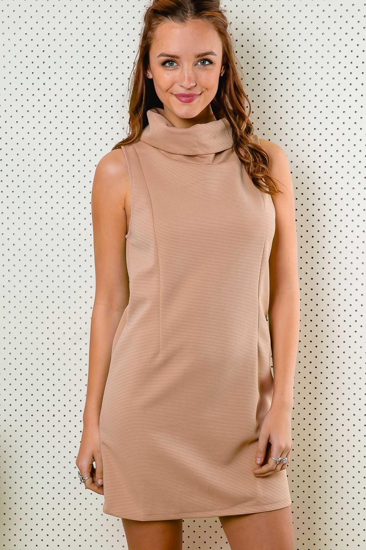 vestido nude camisola